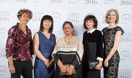 """""""Por las Mujeres en la Ciencia"""" es la campaña de L'Oréal que le valió un Eikon al Marketing Social"""